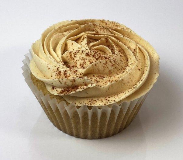 vegan vanilla cappuccino cupcake vegan valentine's day desserts