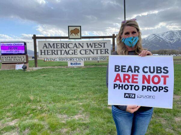 PETA Protest Yellowstone Bear World