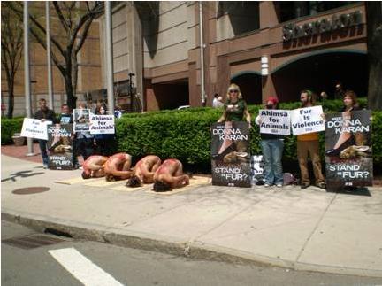 Donna_Karan_Fur_Protest_2.JPG