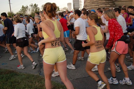 Lindsay_and_Nicole_marathon.JPG