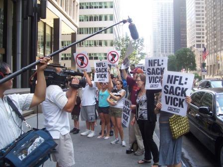 Michael_Vick_Protest_2.jpg