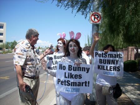 PetSmart_Rabbits_Demo_Phoenix_3.jpg