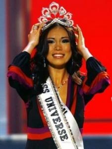 Riyo_Mori_Miss_Universe.jpg