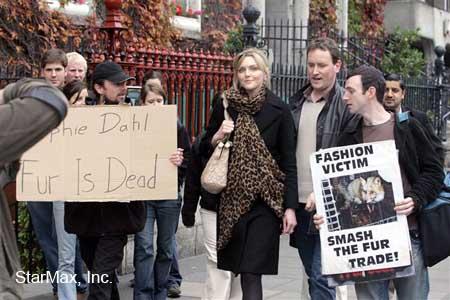 Sophie_Dahl_Fur_protest.jpg