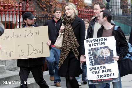 Sophie_Dahl_should_probably_stop_wearing_fur.jpg