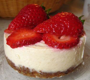 Mini_Strawberry_'Cheesecakes'