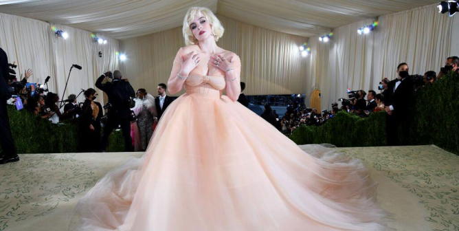 2021 Met Gala: Billie Eilish in Oscar de la Renta Makes Going Fur-Free the Star of the Red Carpet